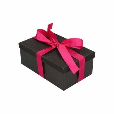 Kerstboom cadeautje zwart glitter doosje 19 cm